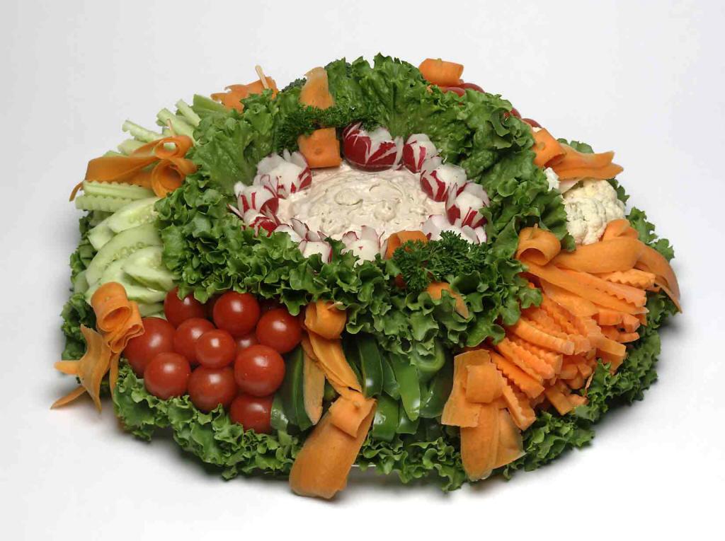 Фото украшений салатов из овощей
